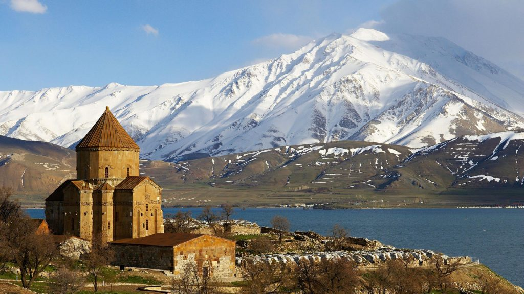Van Akdamar Kilisesi ve Gölü