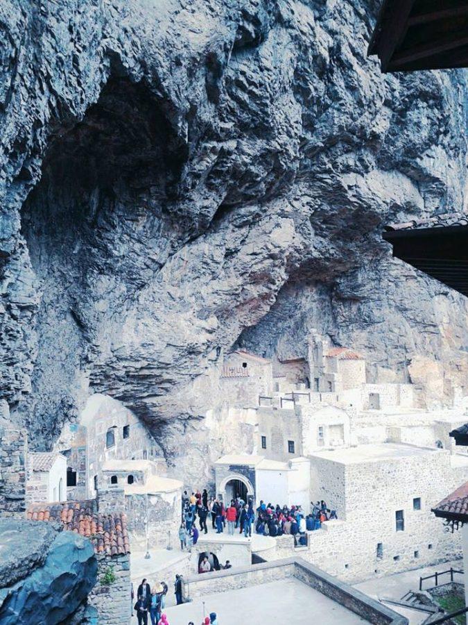 sümela manastiri meryemana kilisesi 675x900 - Sümela Manastırı