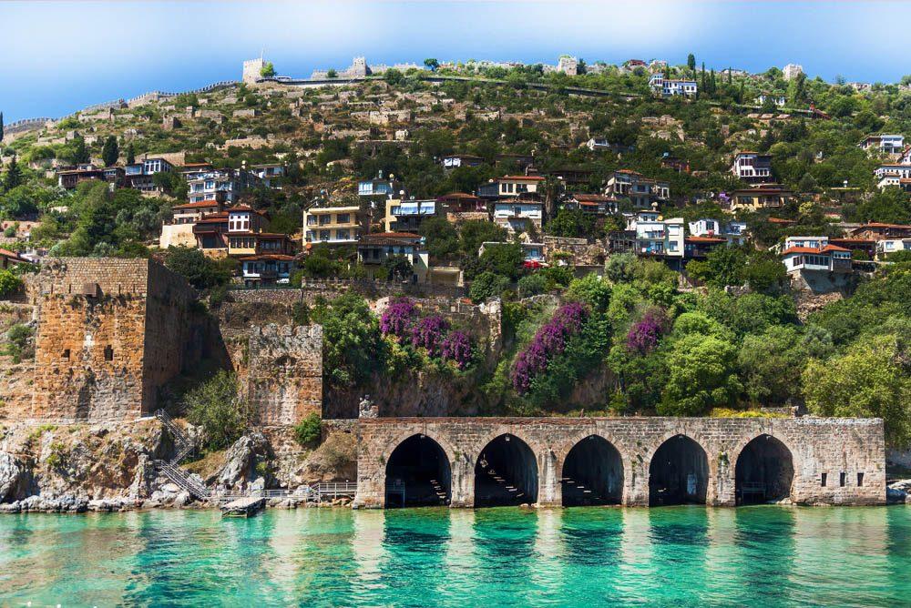 alanya kalesi 1000x668 - Antalya-Alanya Gezilecek Yerler