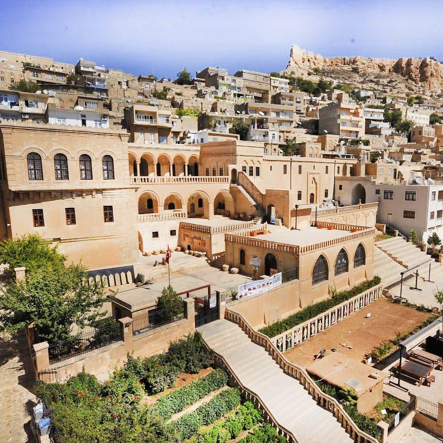mardin muzesi 900x900 - Mardin de Gezilecek Yerler