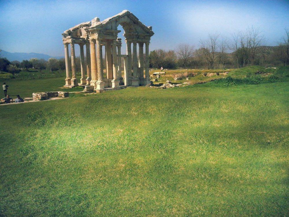 aydin afrodasias antik kenti 1000x750 - Aydın da Gezilecek Yerler