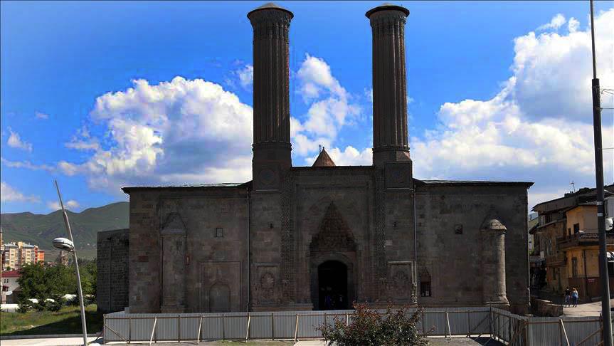 erzurum çifteminareli medrese - Erzurum da Gezilecek Yerler