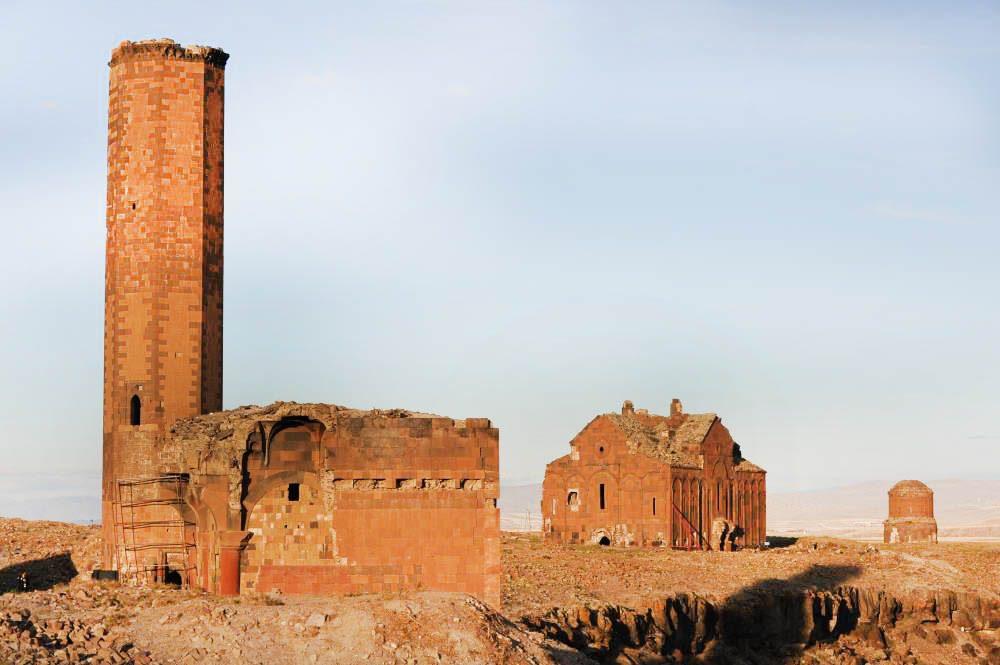 kars ani antik kenti 1000x665 - Kars da Gezilecek Yerler