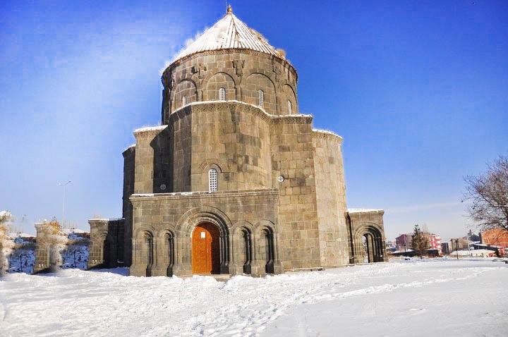 onikihavariler kilisesi kars - Kars da Gezilecek Yerler